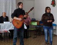 Выступление донецких поэтов-песенников Заболотной Е. и Сердюка И.